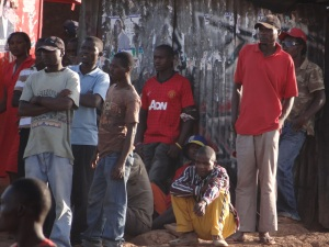 Voters waiting their turn in Kibera. Photo by Peter Ombedha, courtesy Ghetto Mirror.